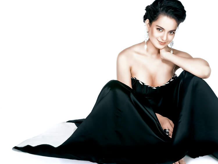 Kangana Ranaut is looking uber-gorgeous in this wallpaper