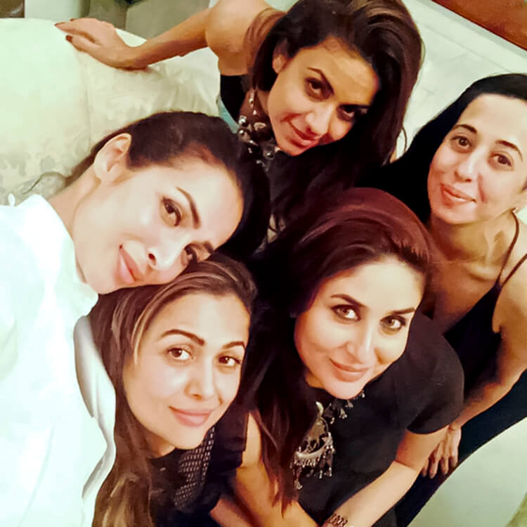 Kareena Kapoor spends some personal moments with her girl gang