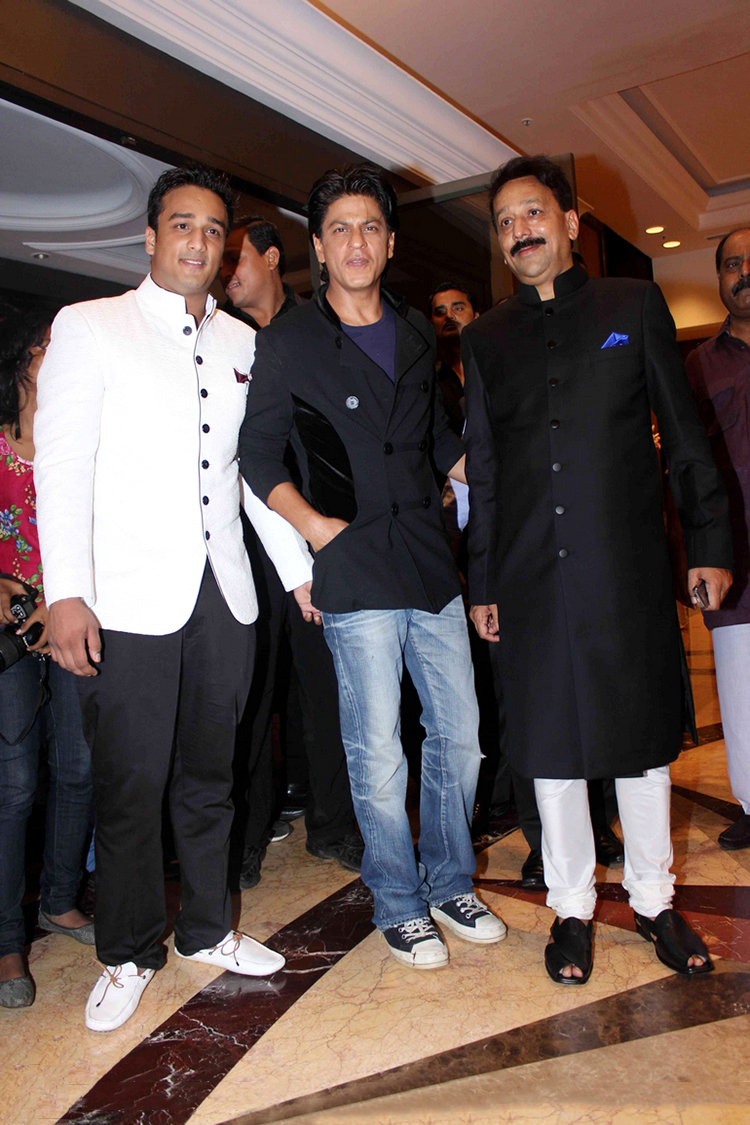 Shah Rukh Khan at Baba Siddique's Iftaar party