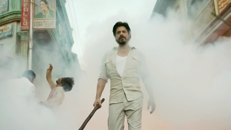 Shah Rukh Khan is a Raees owning terrific acting skills