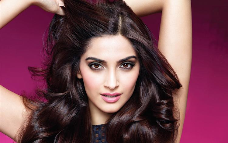 Sonam Kapoor Wallpapers Photos Sonam Kapoor Hot And Beautiful Hd