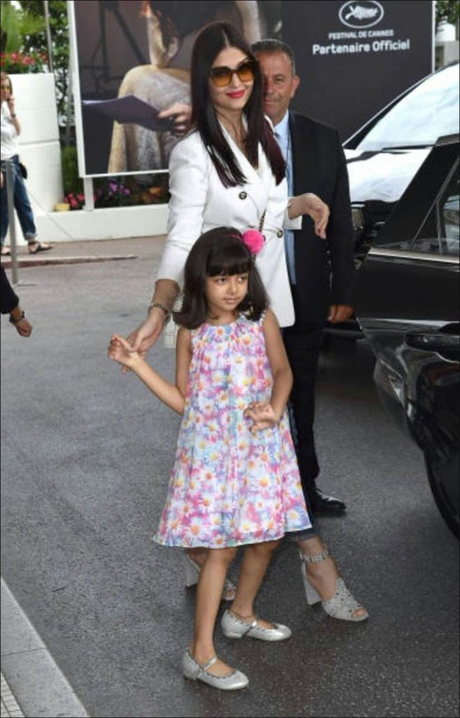 Aishwarya Rai with Aaradhya at the Cannes film Festival