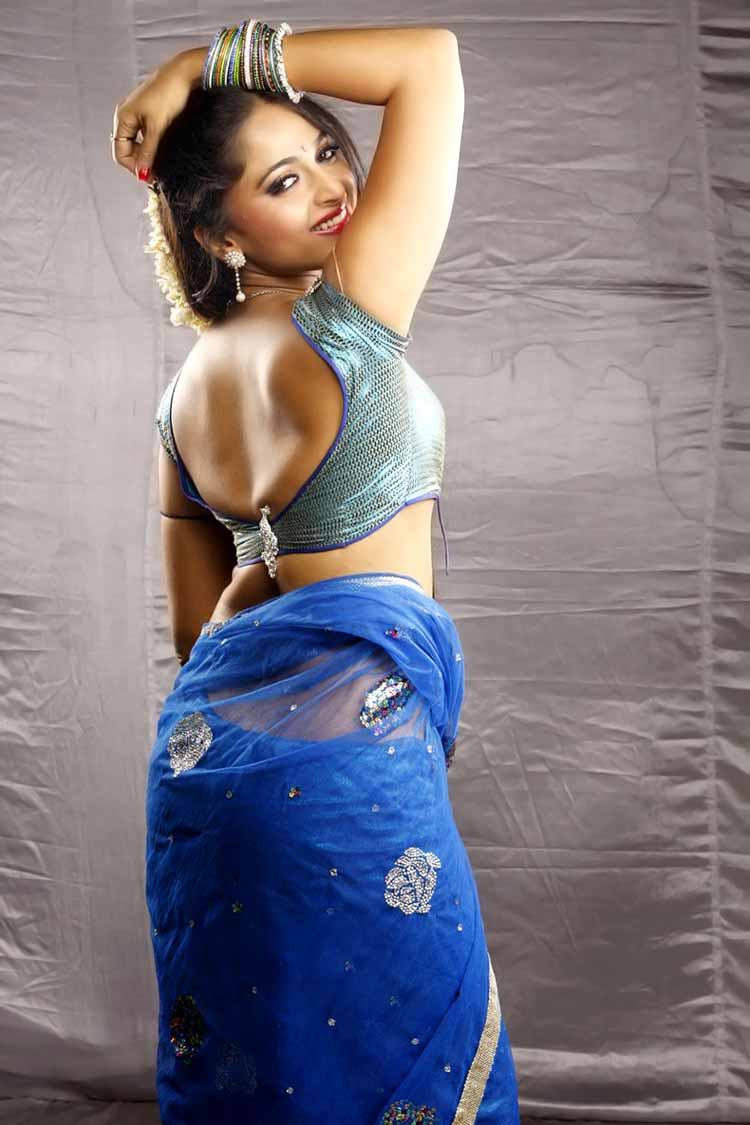 Anushka Shetty is ravishingly sexy in this photo