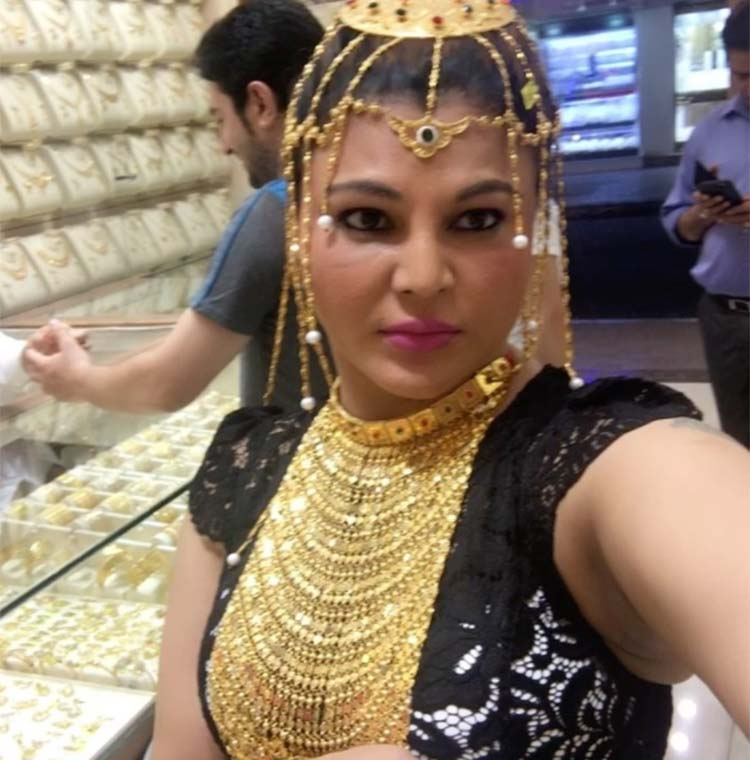 Rakhi Sawant does some jewellery shopping in Dubai
