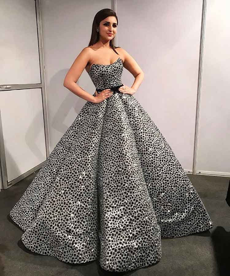 Sexy Parineeti Chopra having her princess moment