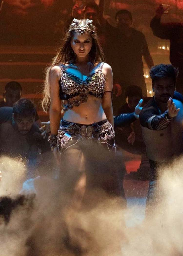 Sunny Leone turns a massively hot siren for Trippy Trippy