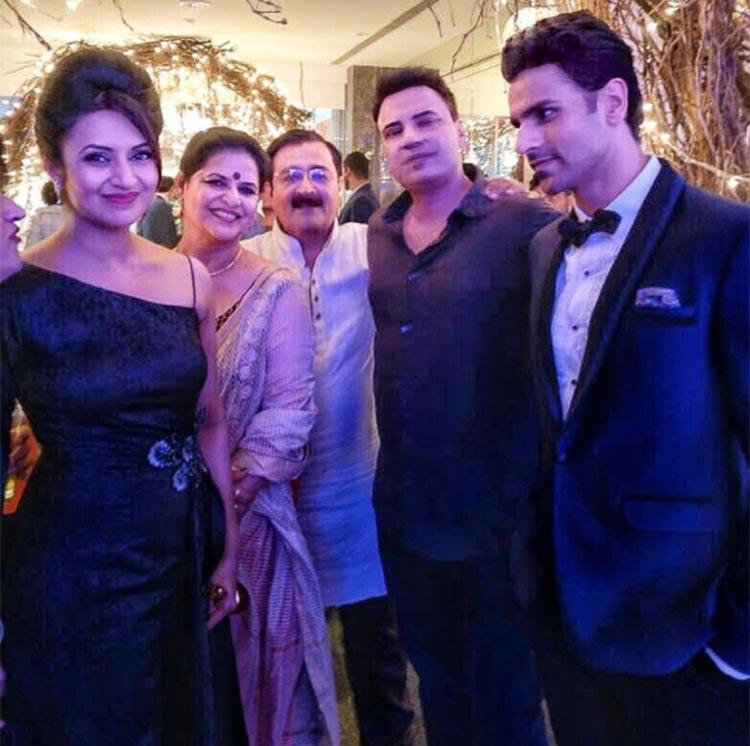 Vivek Dahiya can't take his eyes off Divyanka Tripathi