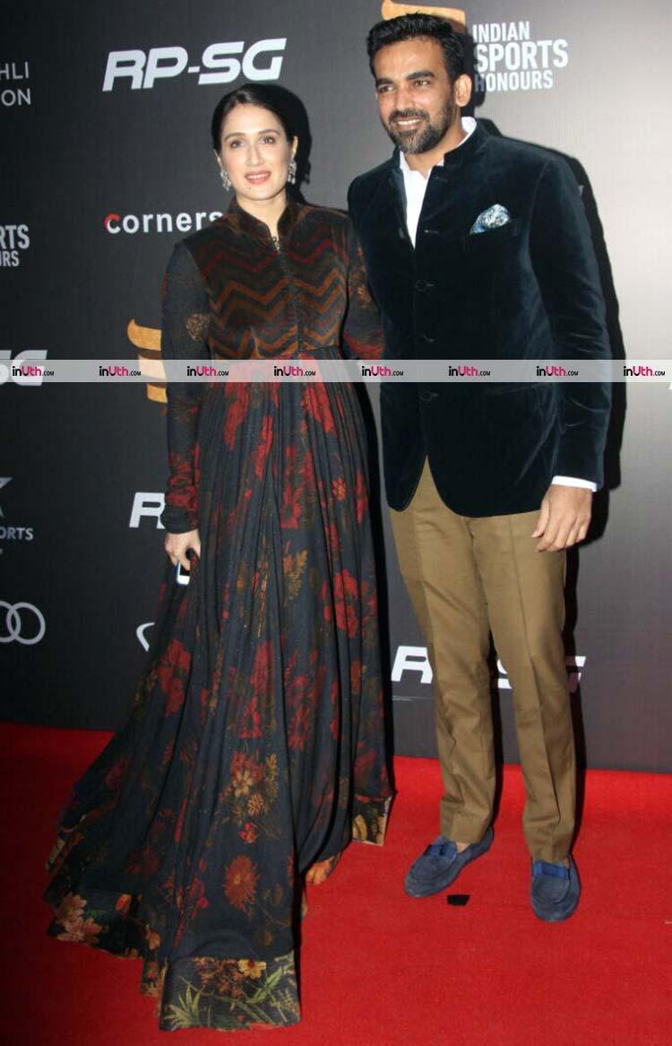 Zaheer Khan and Sagarika Ghatge slaying the red carpet