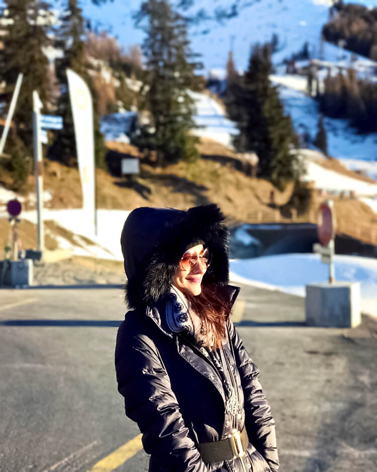 Alia Bhatt is looking super-cute in this candid photo