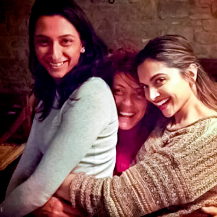 Deepika Padukone spends some personal moments with her sister