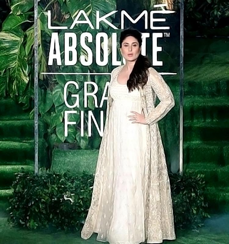 Kareena Kapoor at Lakme Fashion Week 2017 finale event