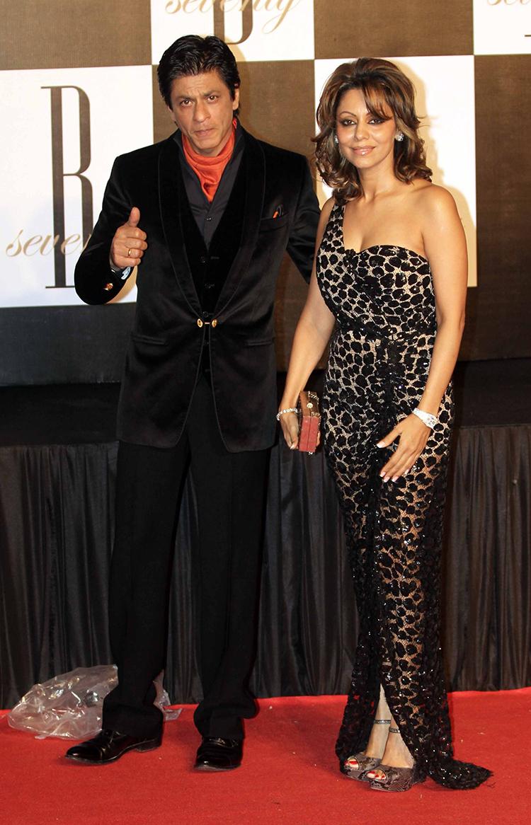 Shah Rukh Khan with Gauri Khan at Amitabh Bachchan's birthday party