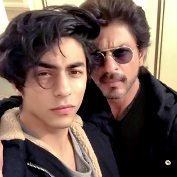 Shah Rukh Khan flew to USA to spend some personal time with son Aryan