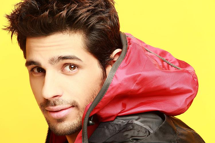 This Facebook DP of Sidharth Malhotra is super hot
