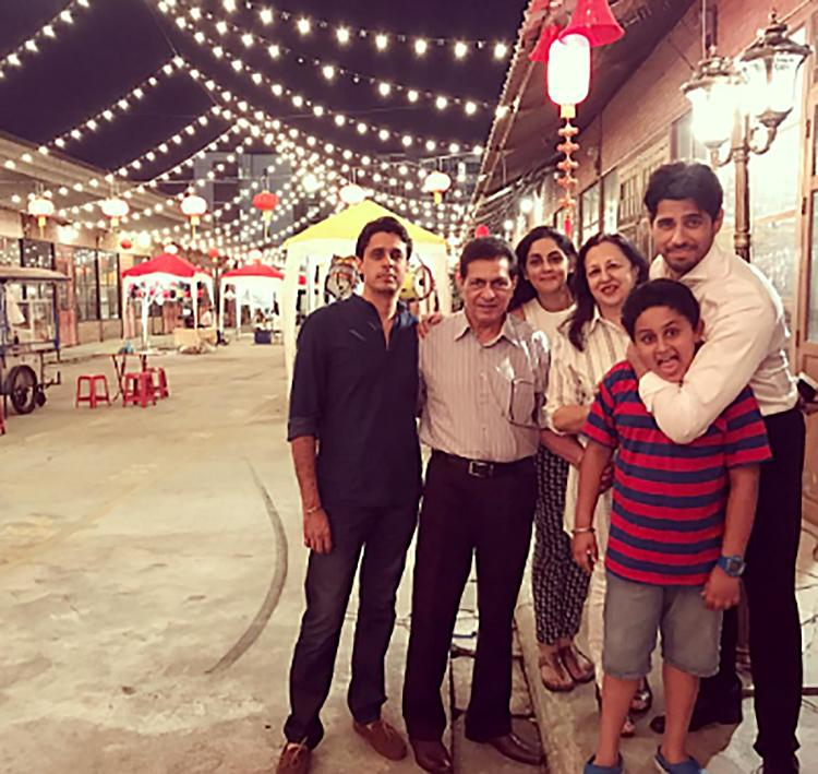 Sidharth Malhotra with his family in this personal pic