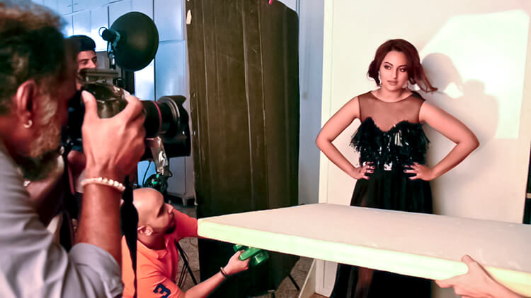 Sonakshi Sharma clicked candid while posing for a photoshoot