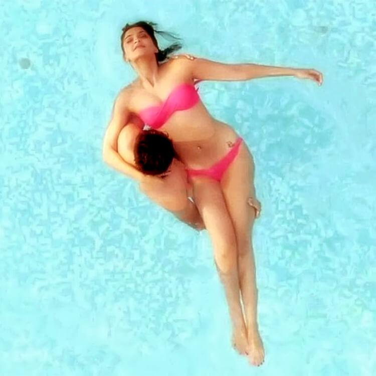 Sonam Kapoor goes on screen in bikini for Bewakoofiyaan