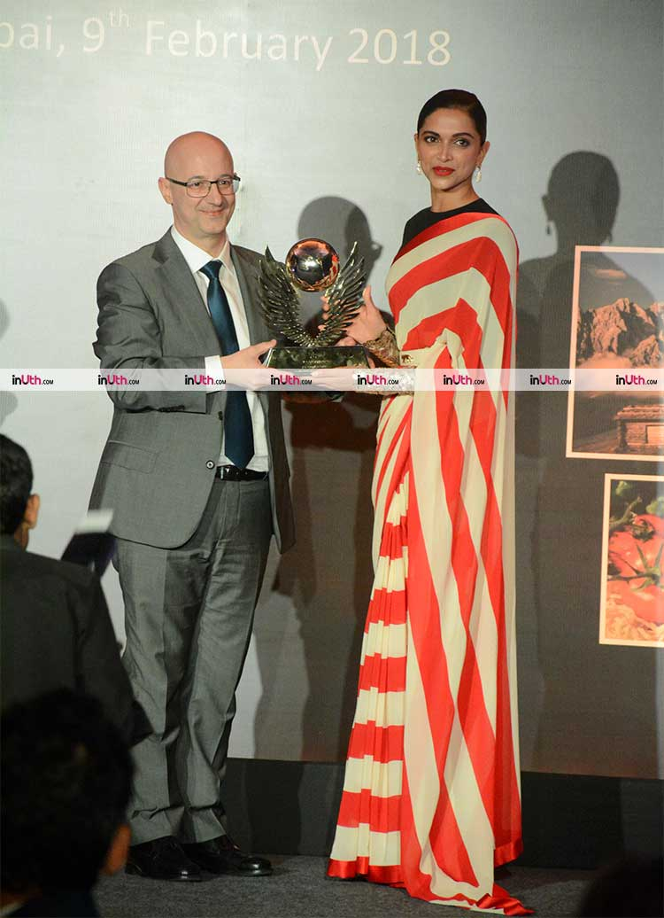 Deepika Padukone receiving her Valore Award 2018