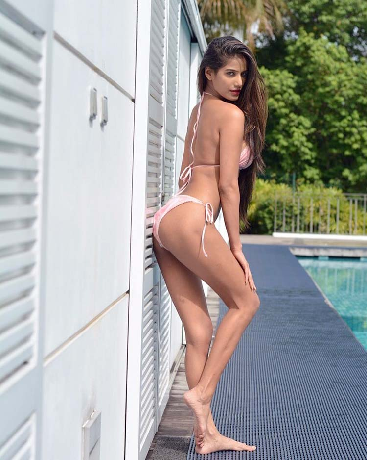 Poonam Pandey is the hot bikini lass