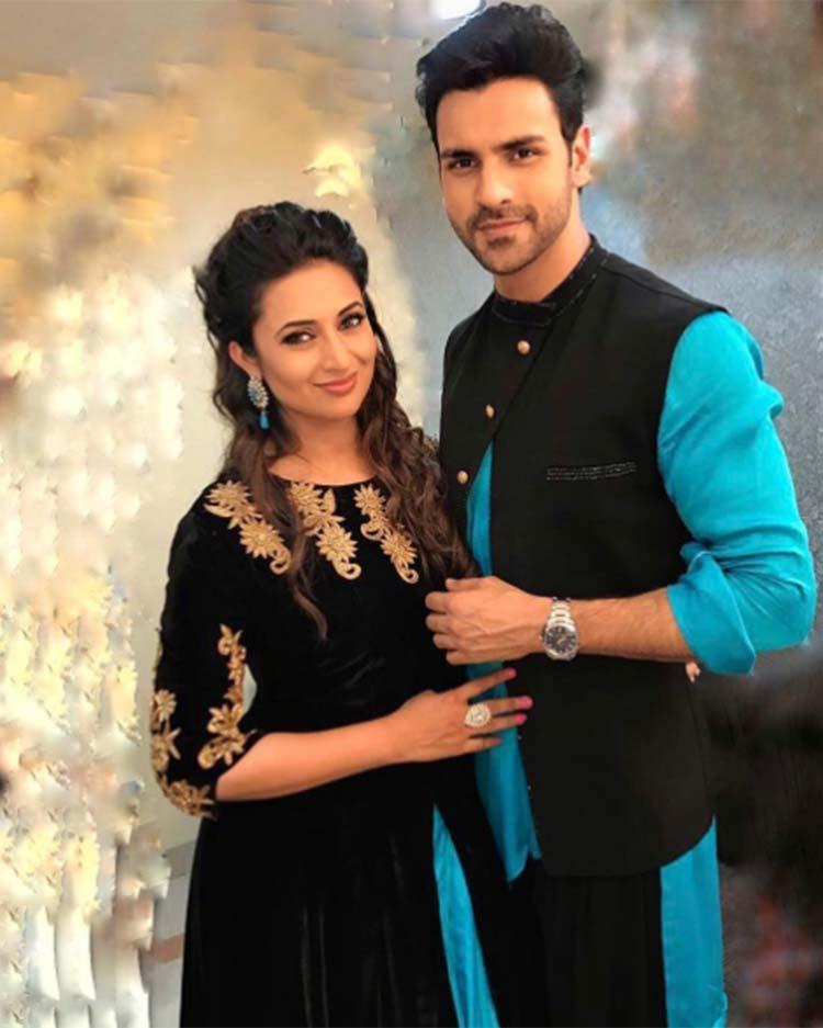 Vivek Dahiya and Divyanka Tripathi look smitten
