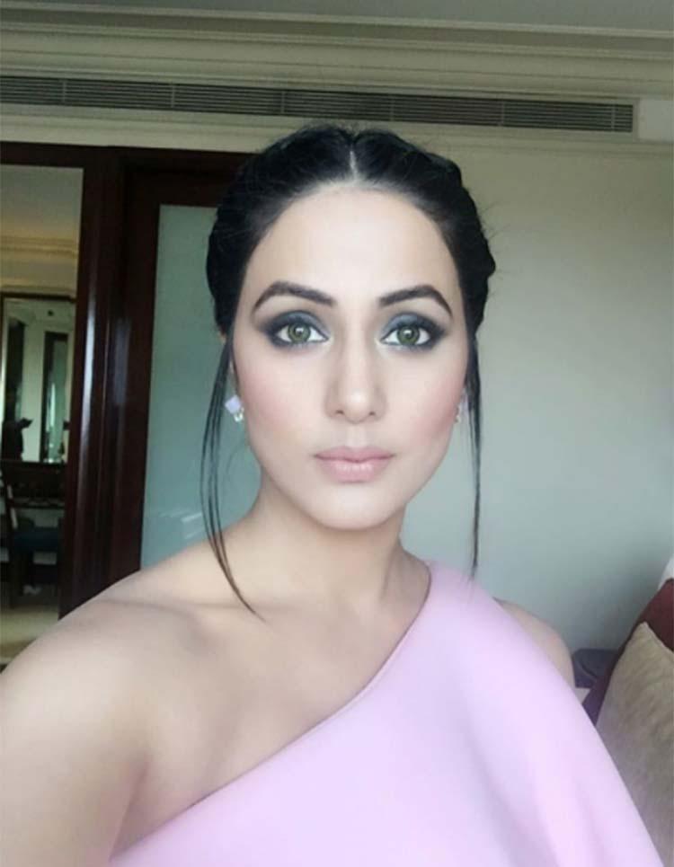 Beautiful Indian Tv Serial Actresses Hina Khan Hairstyles