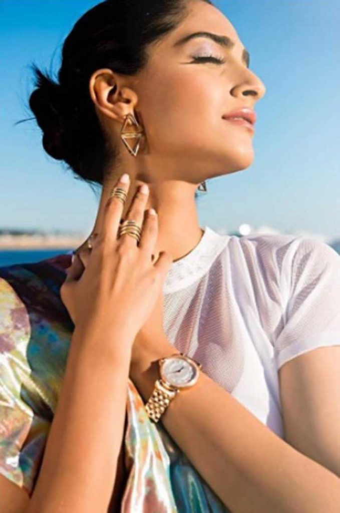 Sonam Kapoor looks stunning in her first look at Cannes