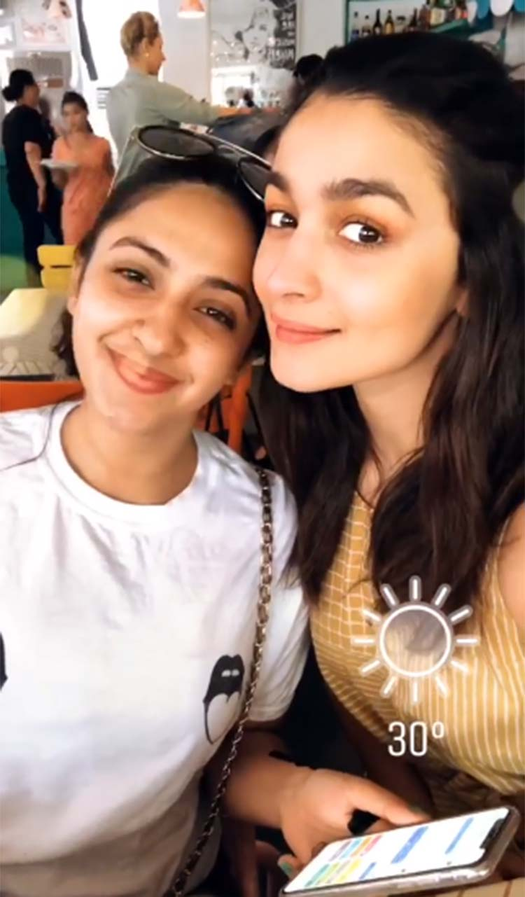 Alia Bhatt chilling with Akansha Ranjan Kapoor in Bali