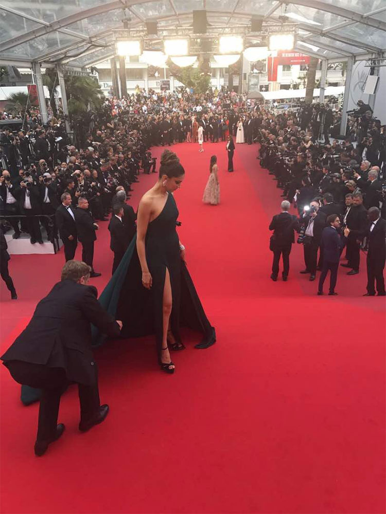 Deepika Padukone was a head turner on the red carpet of Cannes 2017