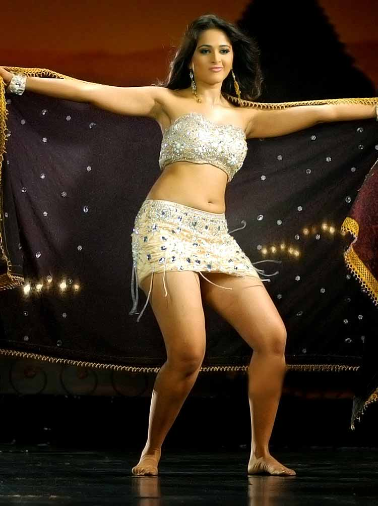 Anushka nude sexy photos