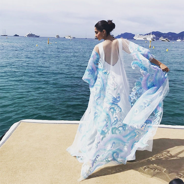 Sonam Kapoor dazzling at the Cannes film Festival 2017