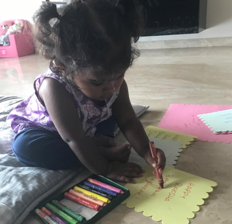 Sunny Leone's daughter is making personalized cards for Rakhi