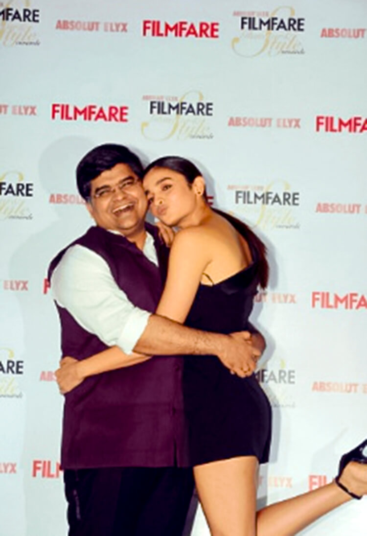 Alia Bhatt Absolut Elyx Filmfare Glamour and Style Awards cover launch event