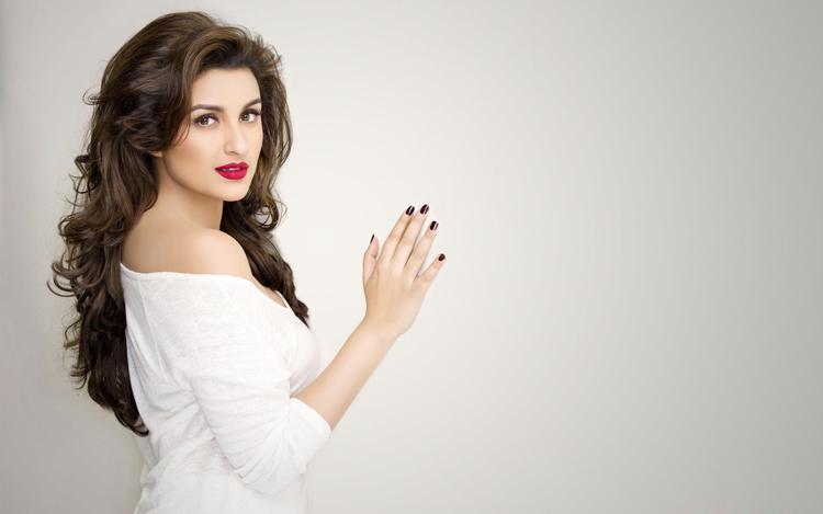Sexy in white Parineeti Chopra