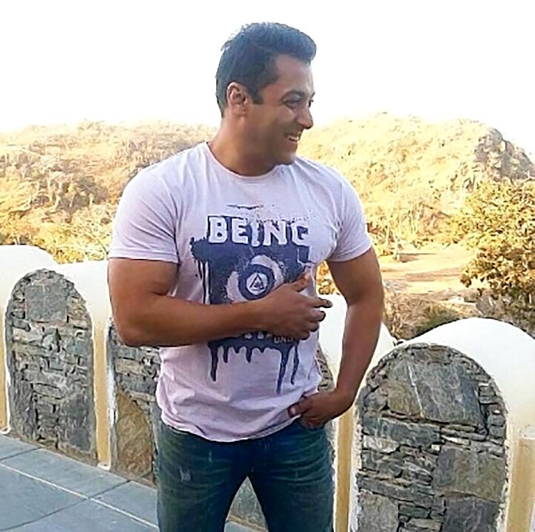 This candid photo of Salman Khan laughing is super adorable