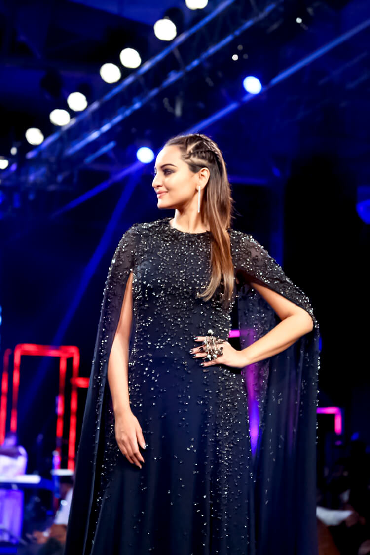 Sonakshi Sinha's candid photo from the ramp