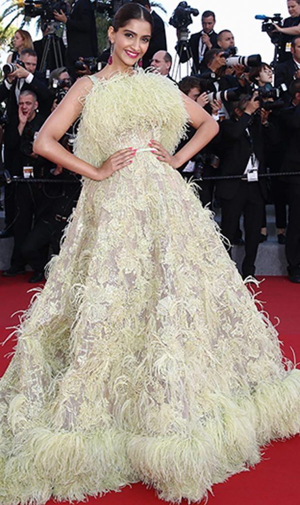 Sonam Kapoor made a fashion faux pas at Cannes 2015