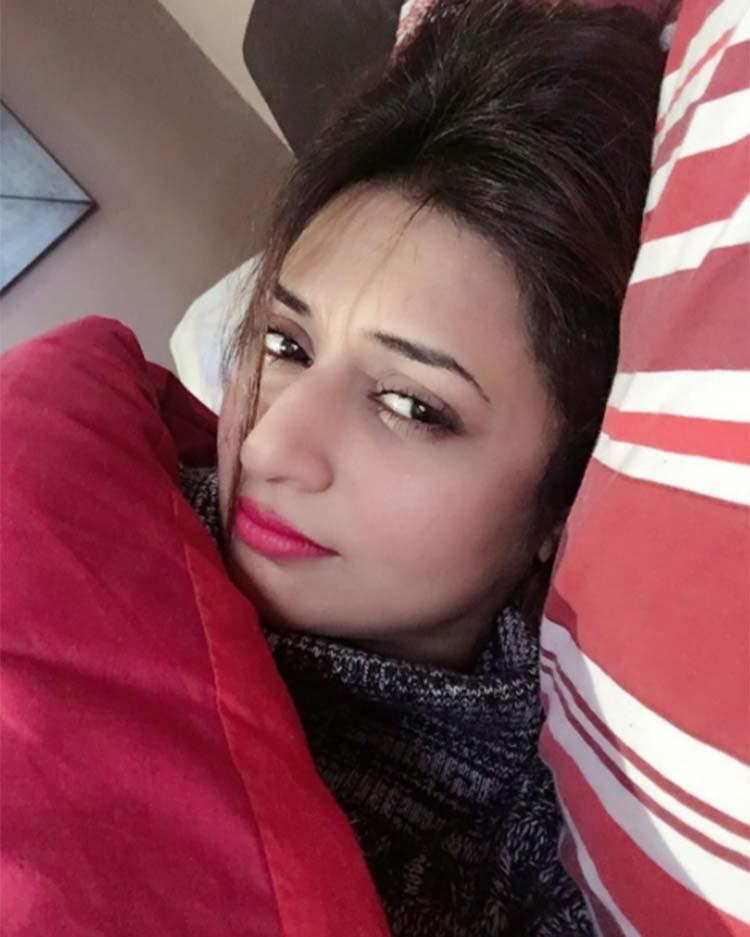 Divyanka Tripathi's selfie from bed