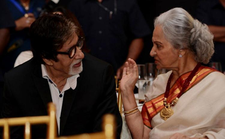Amitabh Bachchan caught candid with Waheeda Rehman
