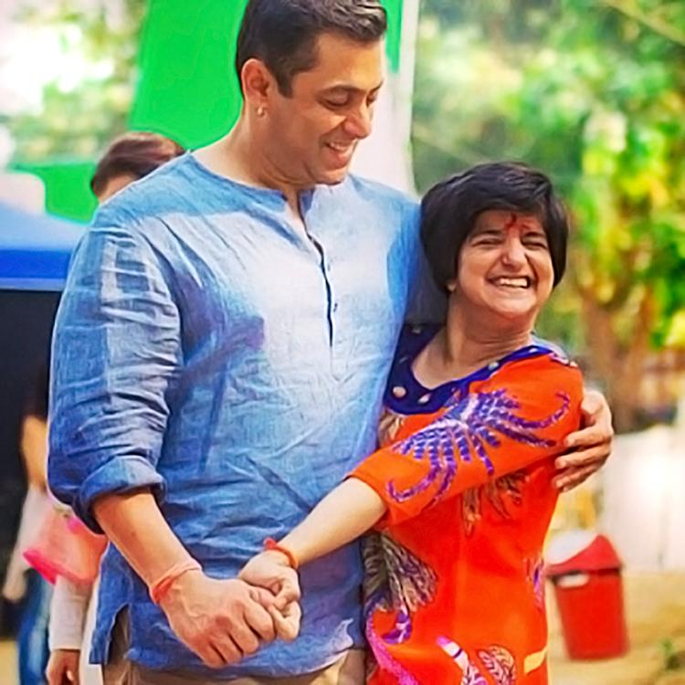This candid pic of Salman Khan with his special fan is full of love
