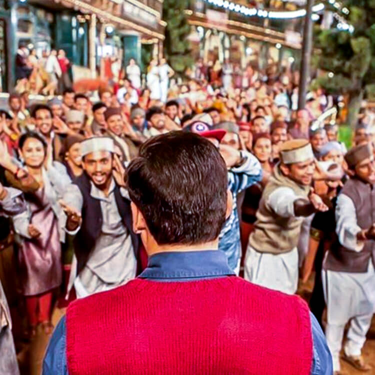 Salman Khan shooting for a song on the sets of Tubelight