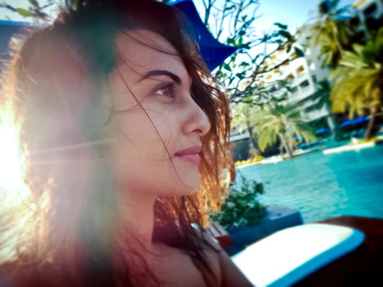 Sonakshi Sinha's candid sun-kissed photo