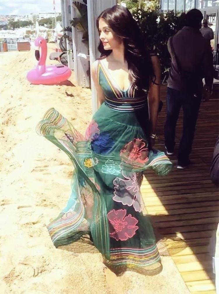 Aishwarya Rai being gorgeous at Cannes 2017