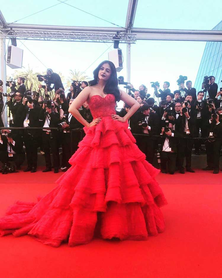 Aishwarya Rai stole the show with a wink on day 2 of her red carpet appearance at Cannes 2017
