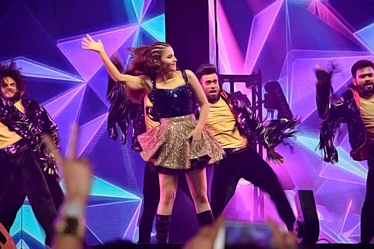 Alia Bhatt performing at the Dream Team Tour