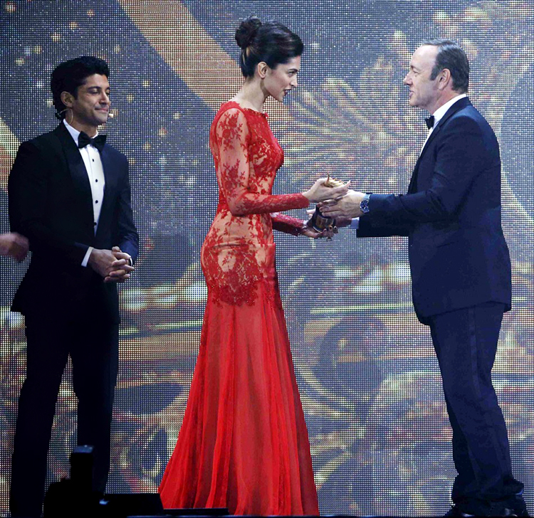 Deepika Padukone at International Indian Film Academy awards 2014