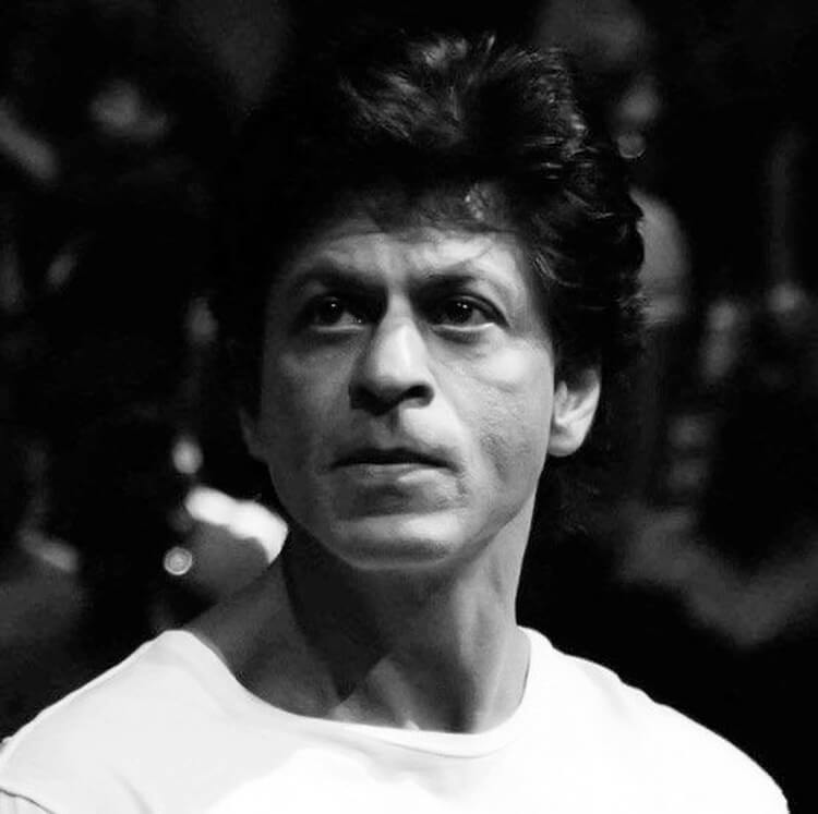 Shah Rukh Khan is slaying in this candid photo