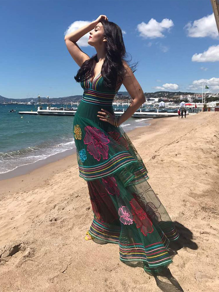 Aishwarya Rai looks super sexy in this photo from Cannes
