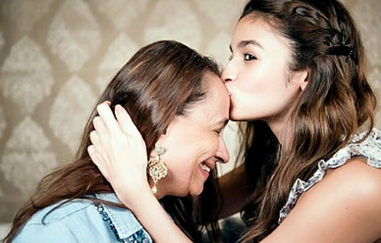 Alia Bhatt with her mother Soni Razdan
