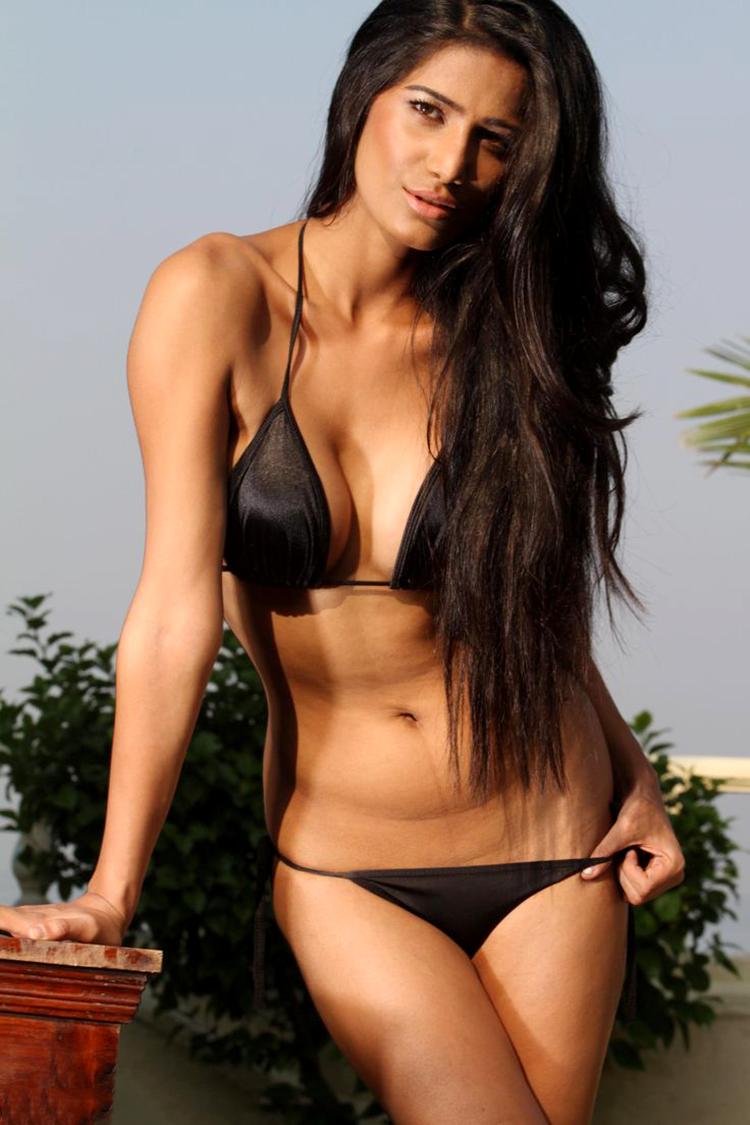 Poonam Pandey flaunts her bikini-perfect body