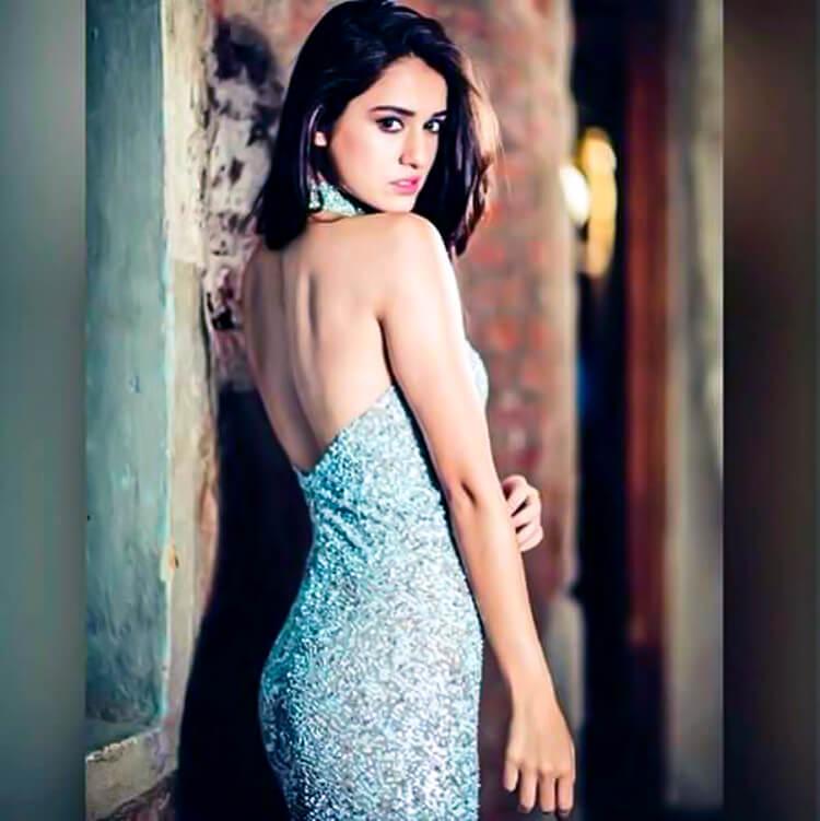 Disha Patani flaunts her sexy back